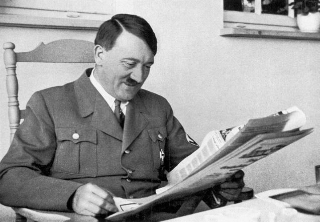 """Ngoài người Do Thái, Hitler muốn """"đuổi cùng giết tận"""" nhóm người nào? - Ảnh 8."""