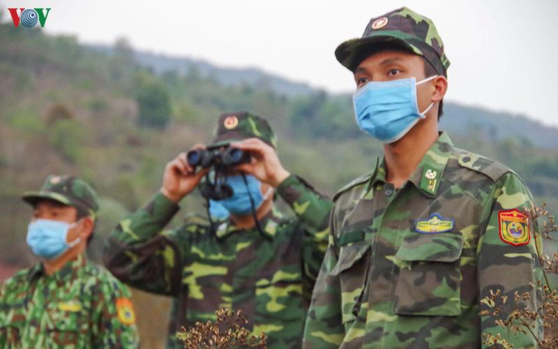Biên phòng Điện Biên căng mình chống dịch trên tuyến biên giới - Ảnh 3.