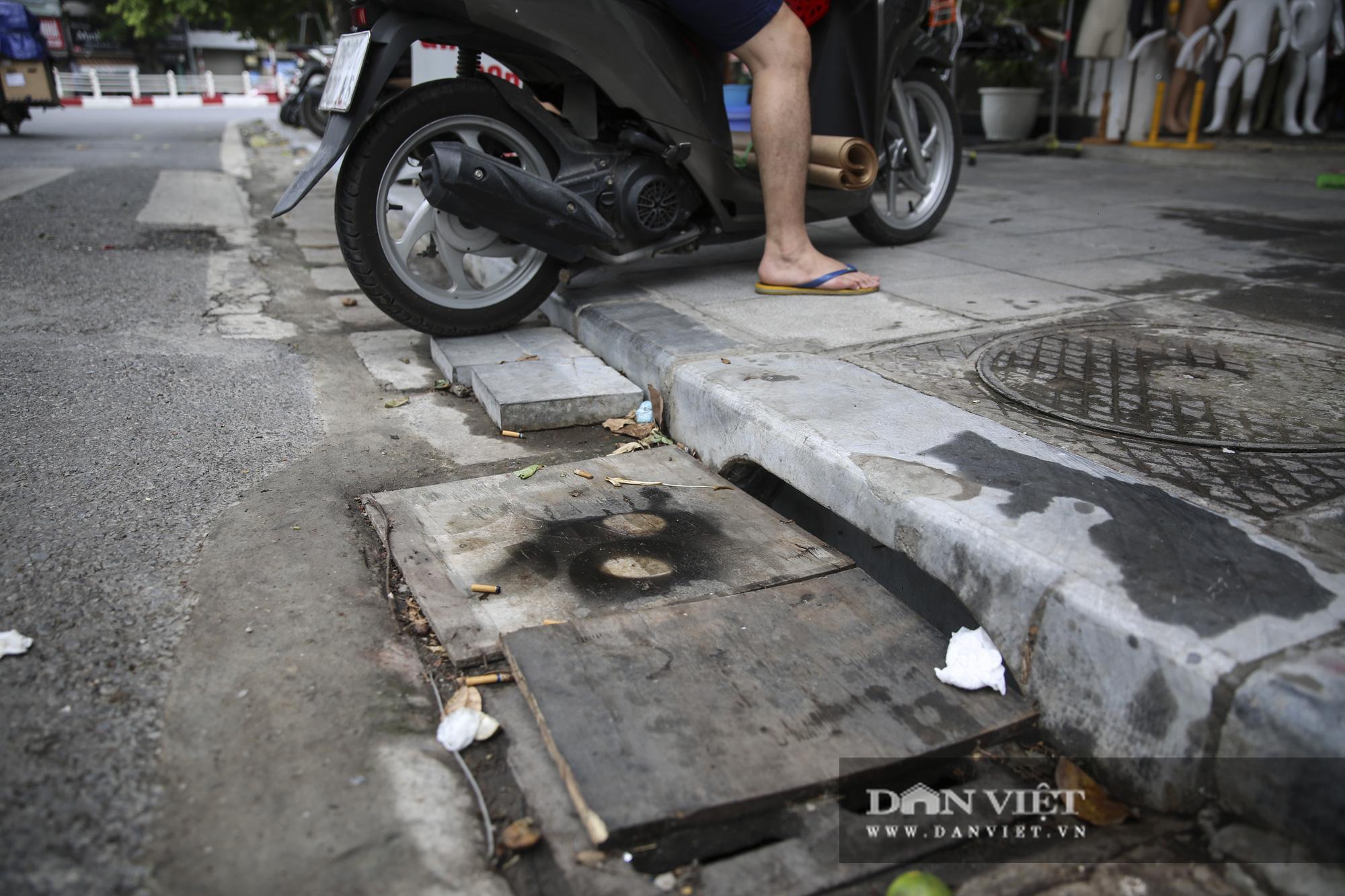 Hệ thống thoát nước bị xâm lấn, Hà Nội đứng trước nguy cơ ngập úng do mưa bão - Ảnh 6.