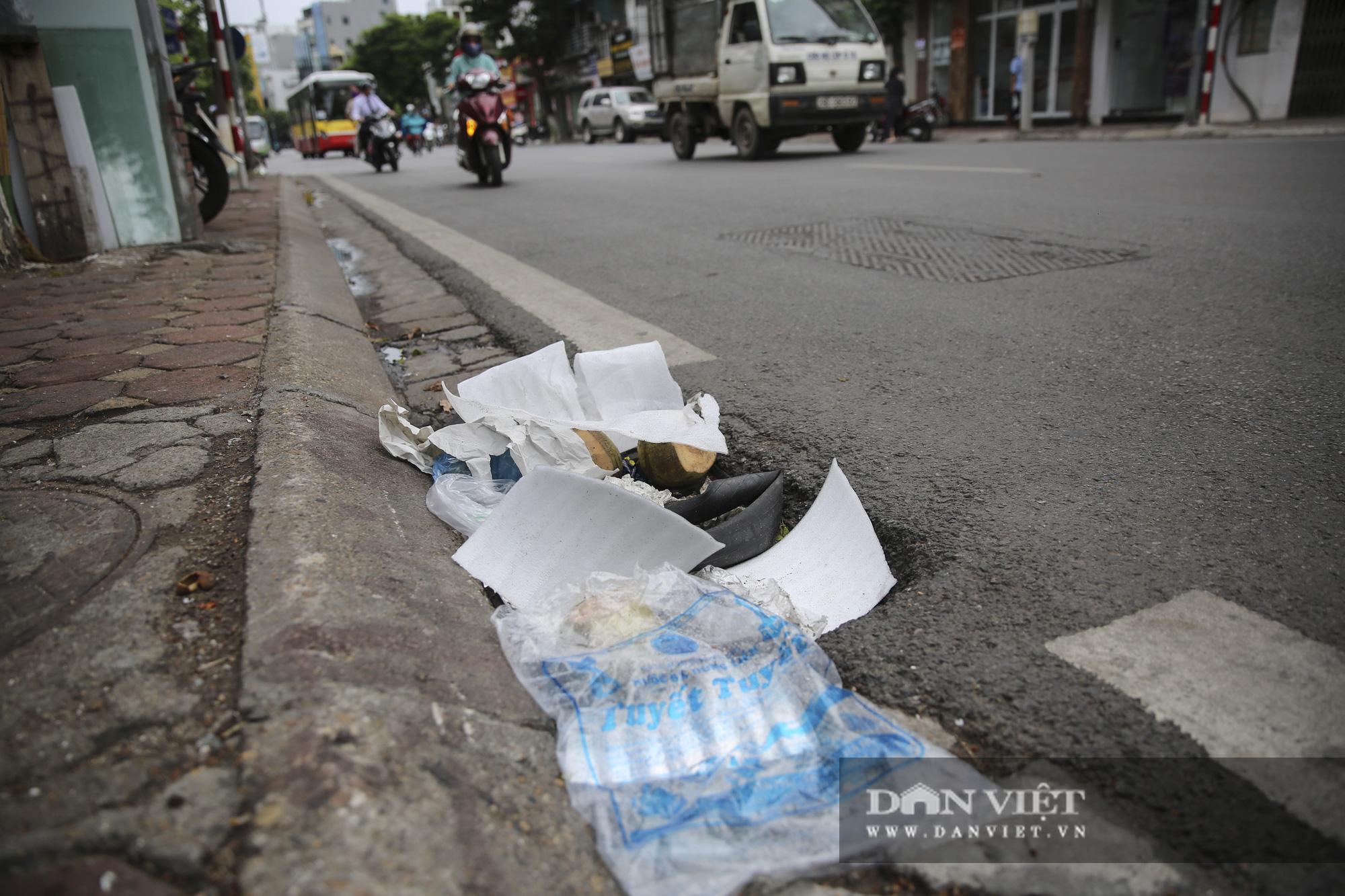 Hệ thống thoát nước bị xâm lấn, Hà Nội đứng trước nguy cơ ngập úng do mưa bão - Ảnh 8.