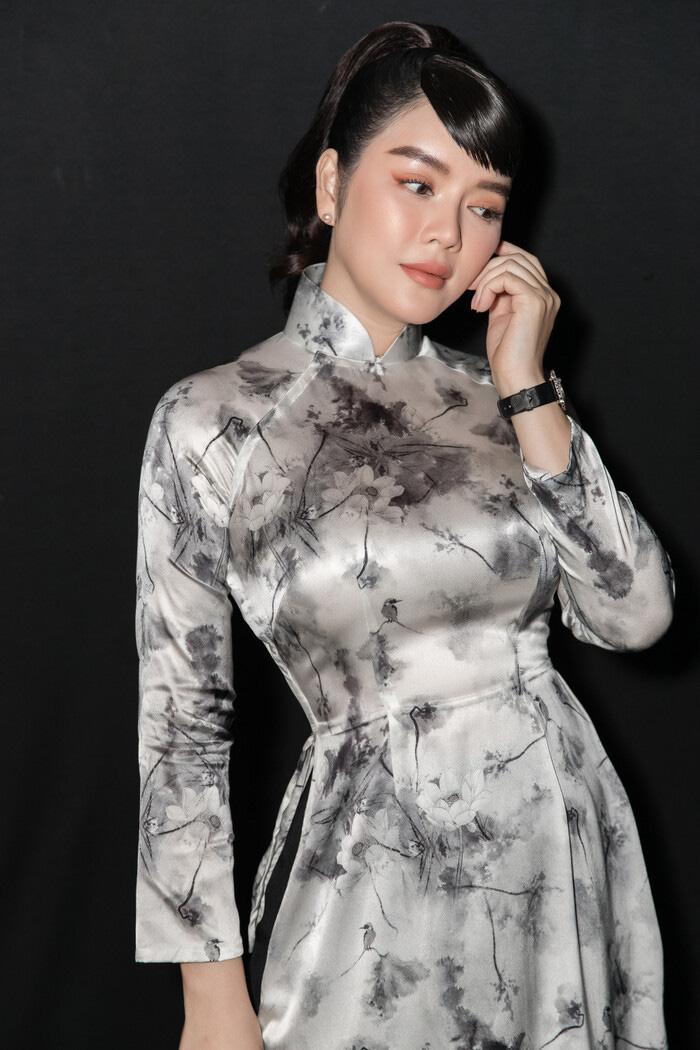 """Tuổi U40, Lý Nhã Kỳ diện áo dài xinh đẹp chuẩn """"Cô ba Sài Gòn"""" - Ảnh 3."""