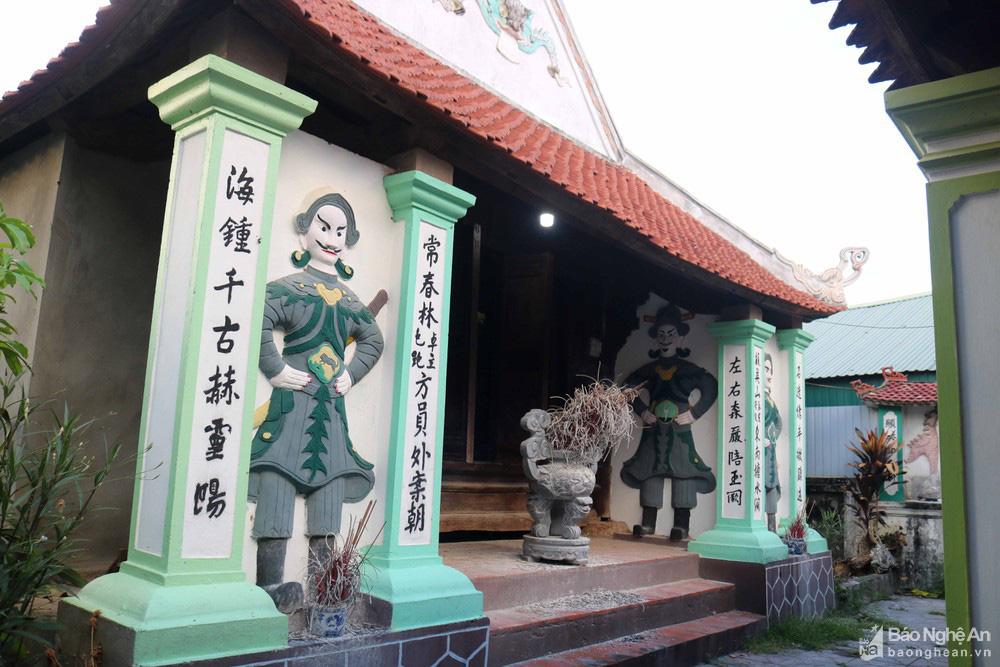 """Độc đáo """"nét chạm trổ phượng long"""" của ngôi đền cổ làng trung du Nghệ An - Ảnh 3."""