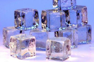 Vì sao nước nóng đông nhanh hơn nước lạnh? - Ảnh 1.