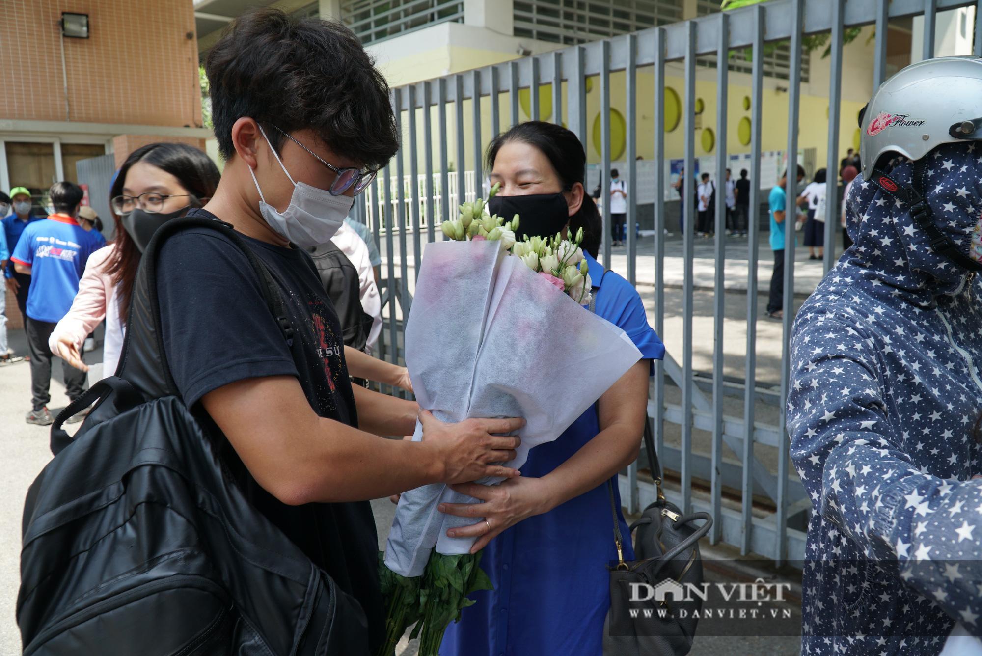 Thí sinh từ Đà Nẵng trở về cảm thấy thoải mái khi thi 1 mình một phòng - Ảnh 9.