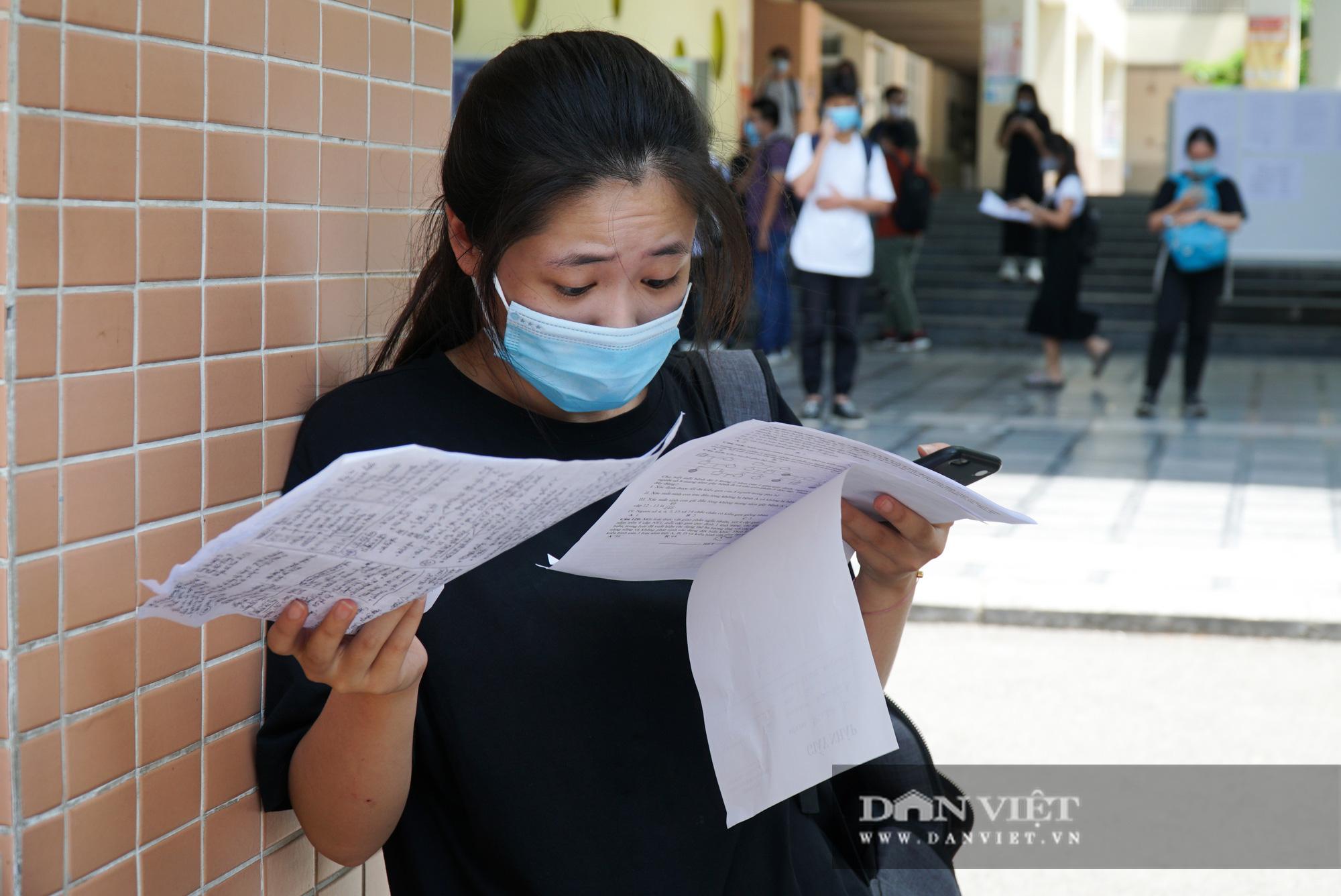 Thí sinh từ Đà Nẵng trở về cảm thấy thoải mái khi thi 1 mình một phòng - Ảnh 6.