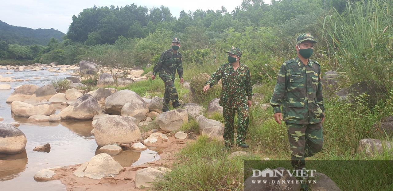 """Những ngày """"đỏ lửa"""" chống Covid 19 trên biên giới Quảng Ninh - Ảnh 1."""