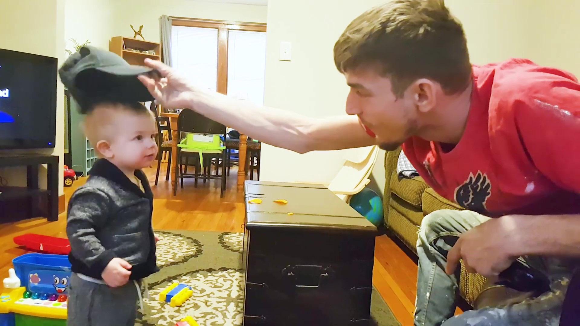 """Video: """"Tan chảy"""" với những tiếng cười trẻ thơ khi chơi với bố - Ảnh 6."""