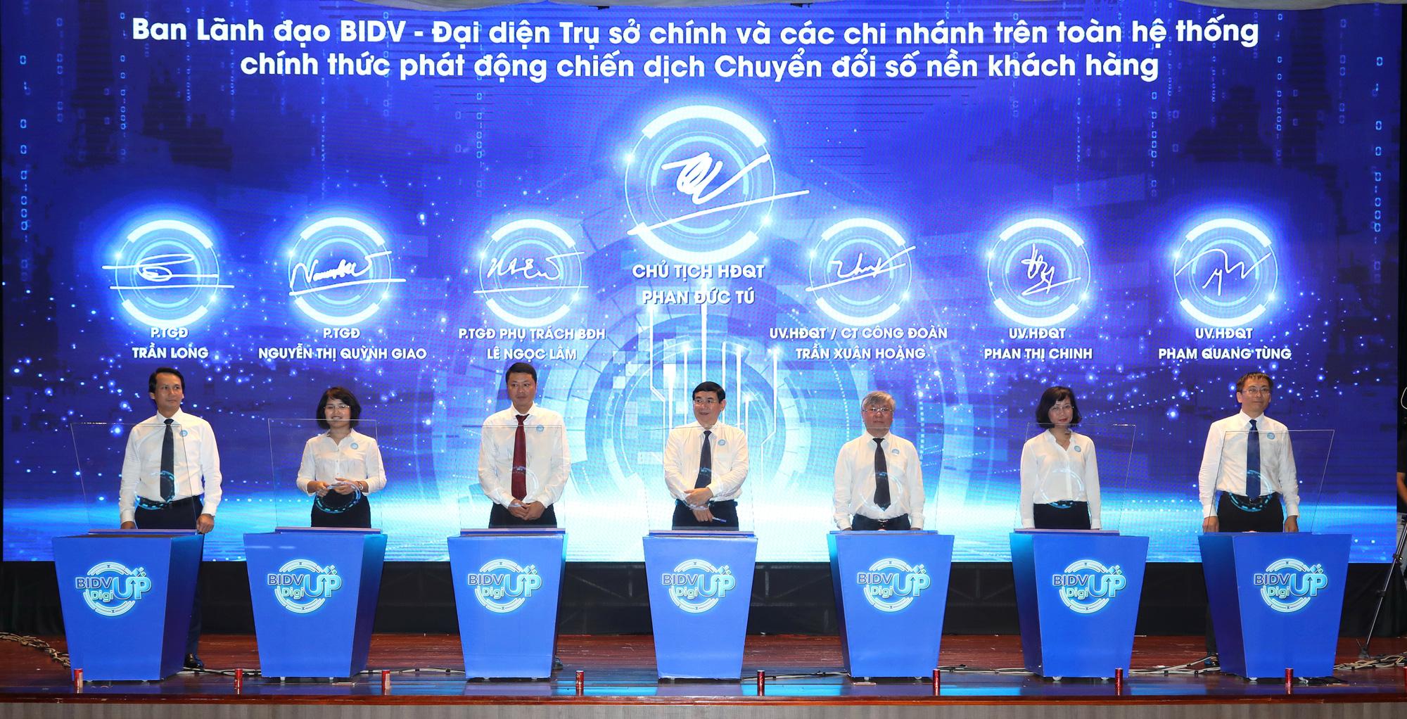 """Đẩy mạnh chuyển đổi số BIDV hướng tới mục tiêu """"Lấy khách hàng là trung tâm"""" - Ảnh 1."""