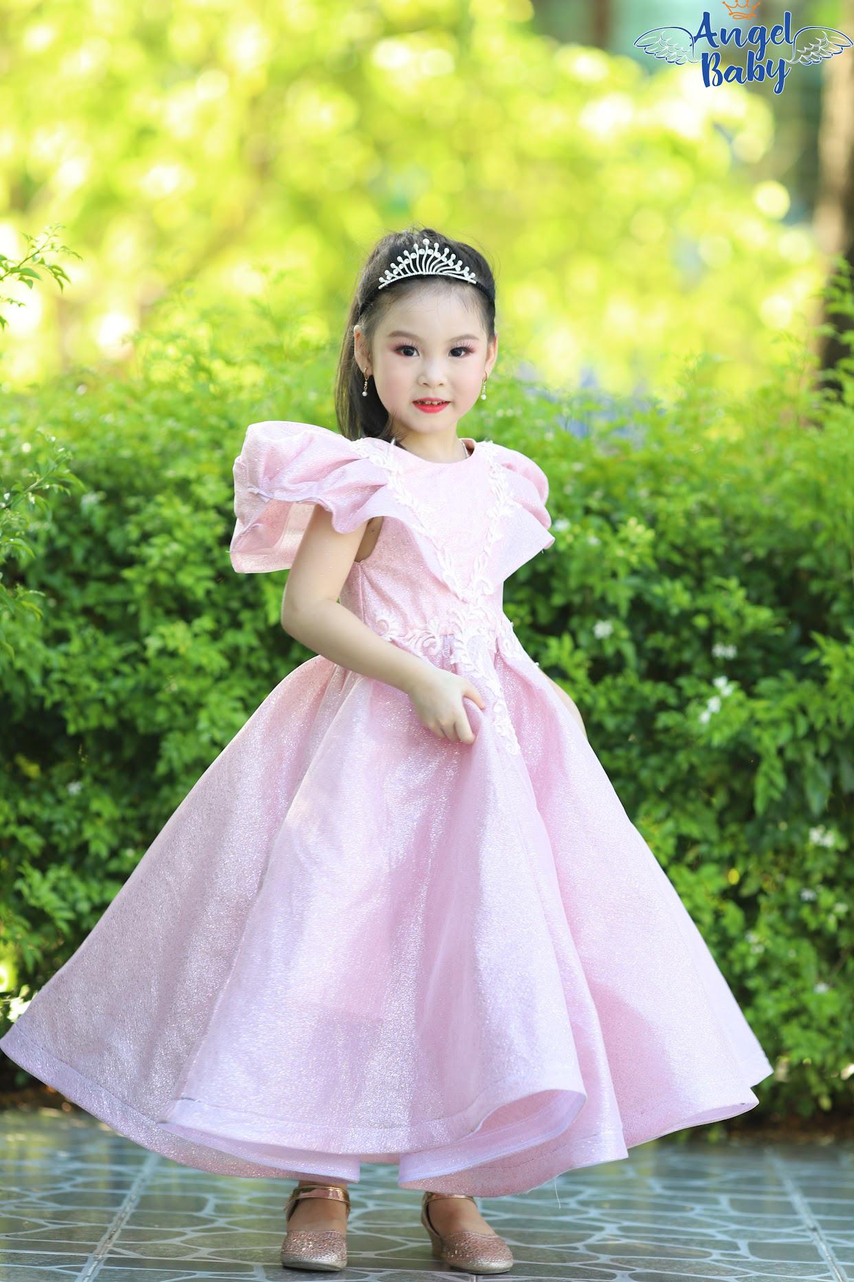 Những tiểu công chúa có niềm đam mê mãnh liệt với nghệ thuật - Ảnh 8.