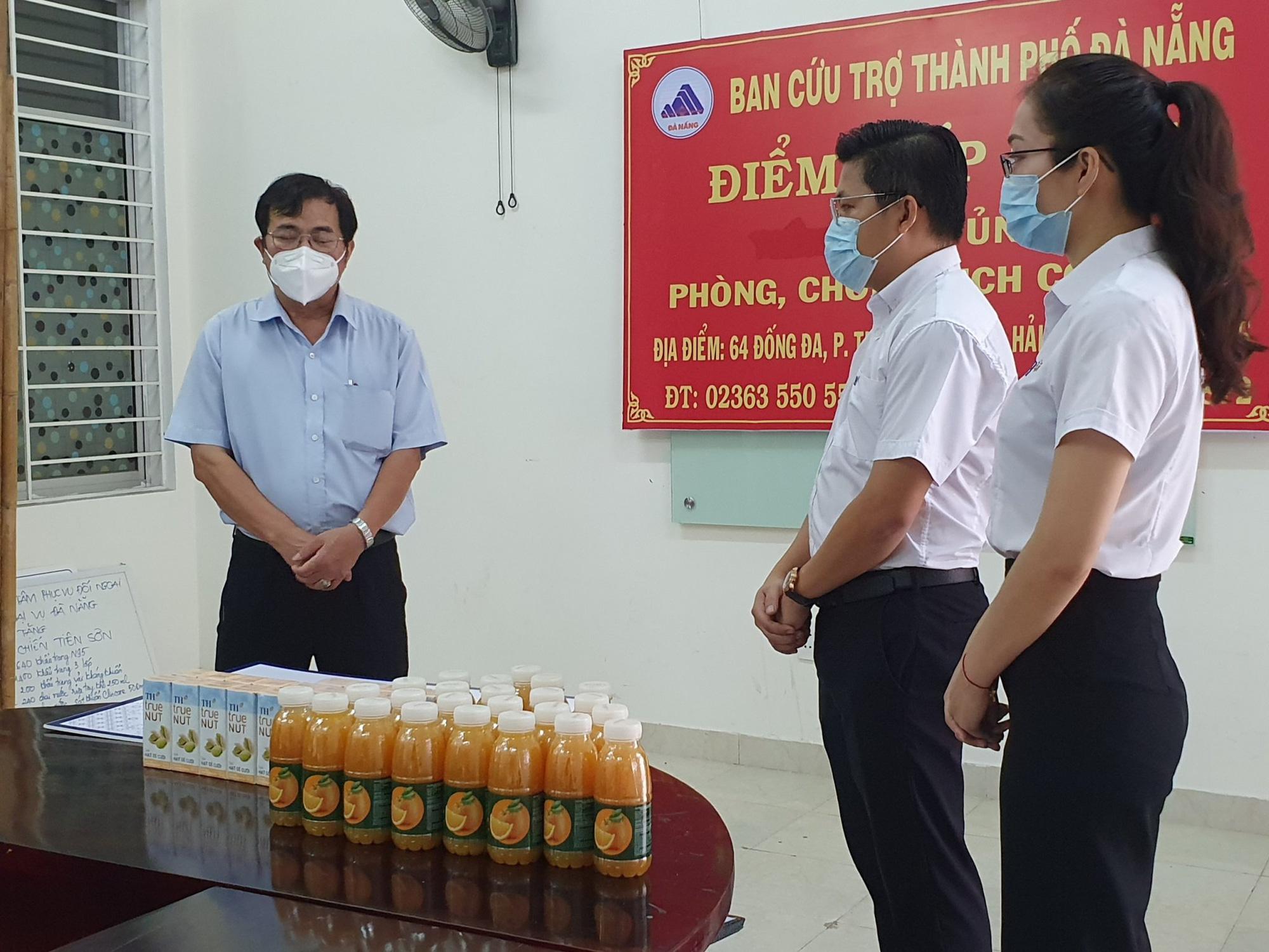 Tập đoàn TH trao 50.000 ly sữa tiếp sức cho phòng chống dịch Covid-19 tại Đà Nẵng, Quảng Nam - Ảnh 4.