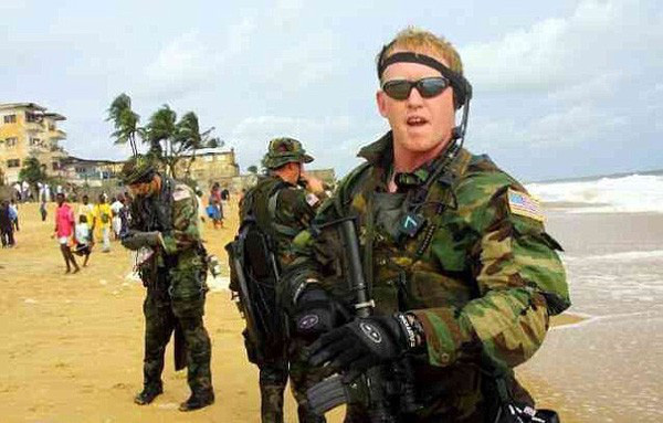 Người giết Bin Laden lộ diện: Vì nước Mỹ cần anh hùng? - Ảnh 2.