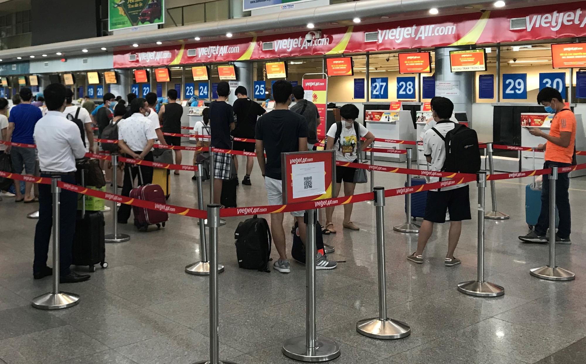 Hành khách từ Hàn Quốc về nước bức xúc là do đòi hỏi quá khả năng - Ảnh 1.