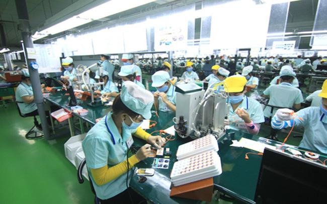 Sửa biểu giá điện: Nhóm khách hàng sản xuất có thể phải trả nhiều tiền hơn - Ảnh 1.