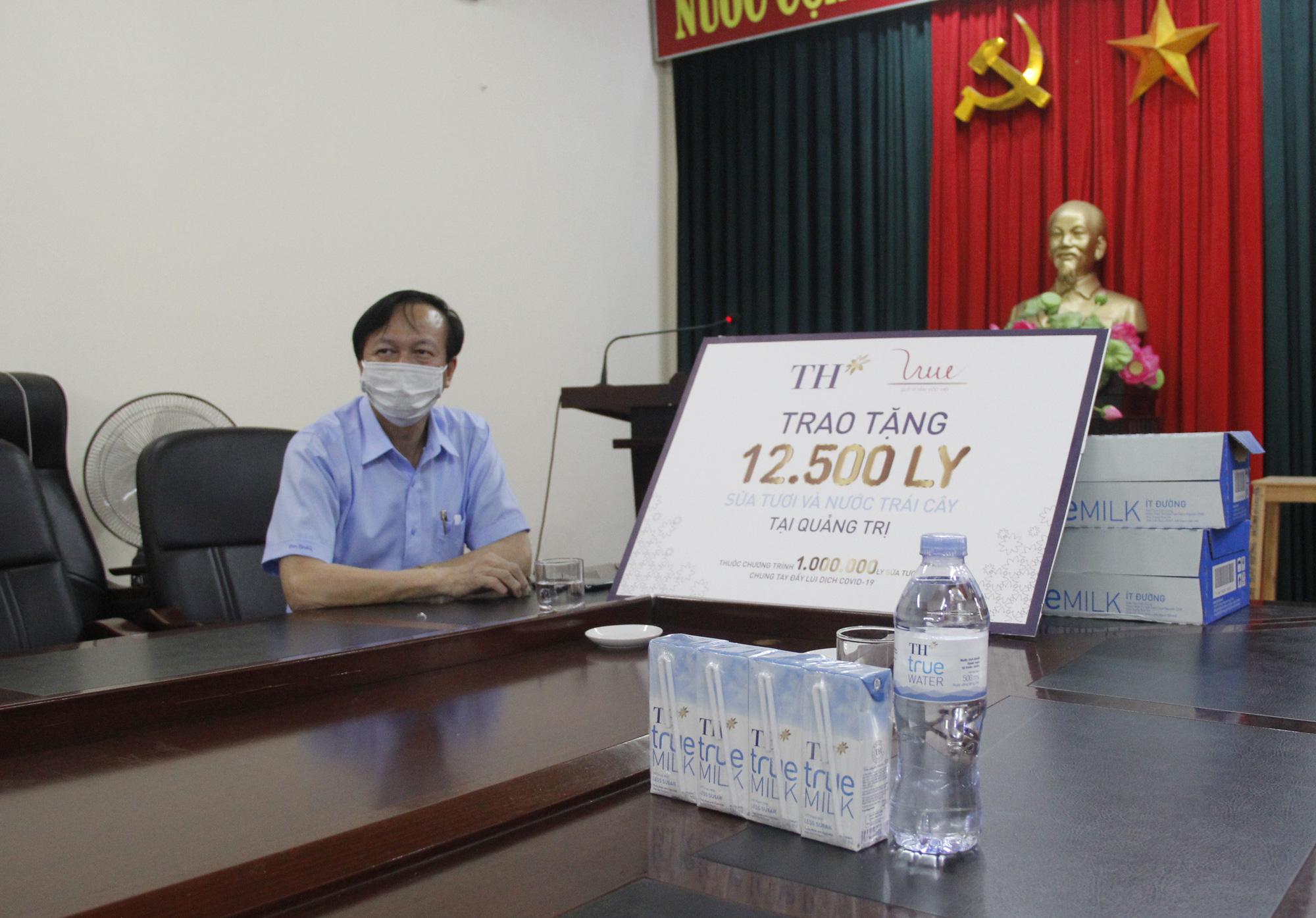 Tập đoàn TH trao tặng 12.500 sản phẩm sữa tươi hỗ trợ tỉnh Quảng Trị phòng, chống dịch Covid-19 - Ảnh 3.