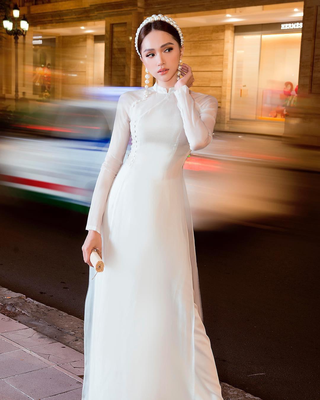 """Hương Giang mặc áo dài trắng tinh đẹp tựa nữ thần ở Pháp, """"thả thính"""" gây """"bão"""" mạng - Ảnh 6."""