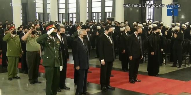 Trực tiếp: Quốc tang nguyên Tổng bí thư Lê Khả Phiêu - Ảnh 2.