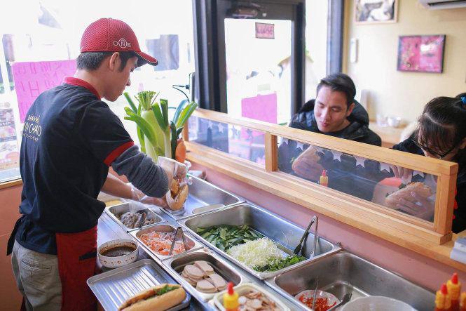 """""""Bánh mì Xin Chào"""" của người Việt tại Nhật: Nổi tiếng trên nhiều tờ báo, ngày kiếm hàng trăm triệu - Ảnh 2."""