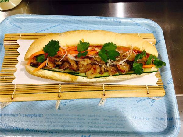 """""""Bánh mì Xin Chào"""" của người Việt tại Nhật: Nổi tiếng trên nhiều tờ báo, ngày kiếm hàng trăm triệu - Ảnh 4."""