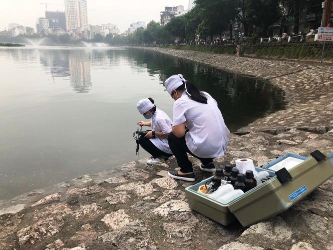 Công ty cung cấp hoá chất độc quyền cho Hà Nội xử lý ô nhiễm nước nói không vì lợi nhuận - Ảnh 2.