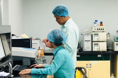"""Tìm nguồn nhập khẩu vắc xin Covid-19, """"tăng tốc"""" sản xuất vắc xin Việt Nam - Ảnh 1."""