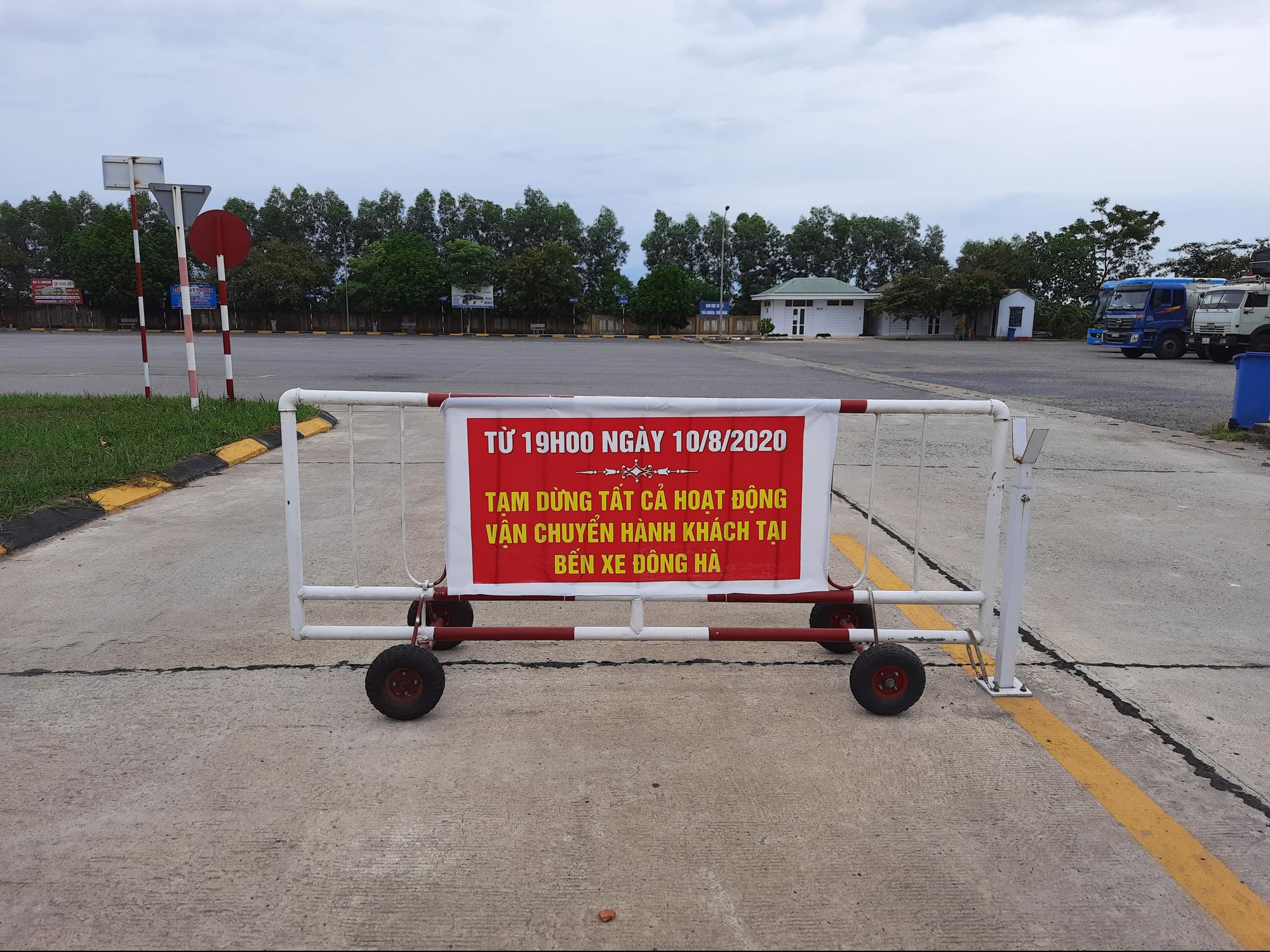 Quảng Trị: Nguy cơ lây lan dịch Covid-19 từ những xe khách hoạt động chui - Ảnh 1.