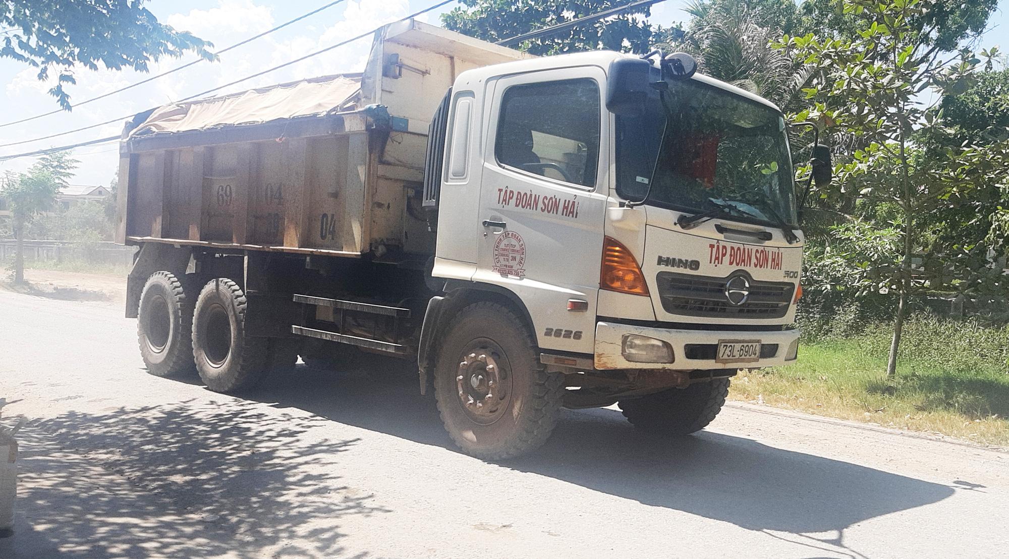 Sở Giao thông Vận tải tỉnh Quảng Bình phản hồi báo Dân Việt: Tỉnh lộ 559 xuống cấp vì xe quá khổ - Ảnh 2.