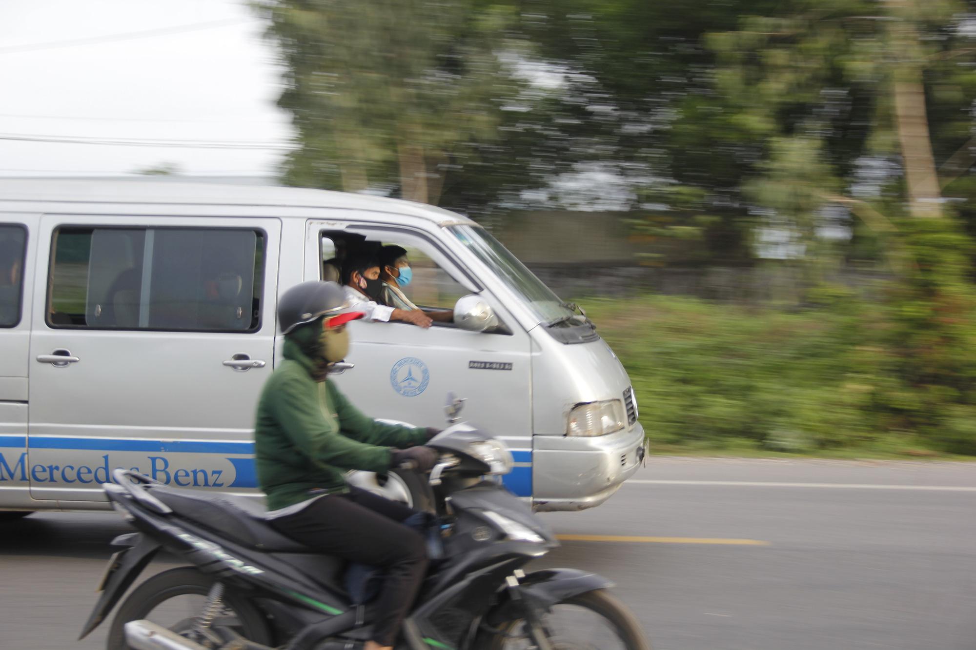Quảng Trị: Nguy cơ lây lan dịch Covid-19 từ những xe khách hoạt động chui - Ảnh 5.