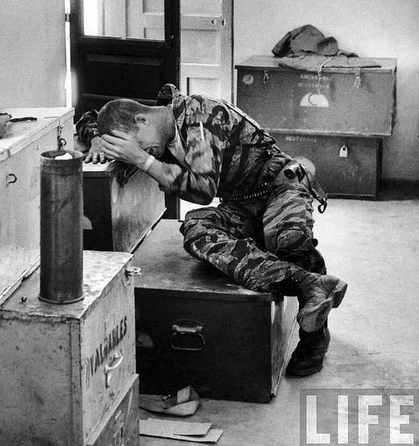Khoảnh khắc quá độc lính Mỹ rệu rã trong Chiến tranh Việt Nam - Ảnh 1.