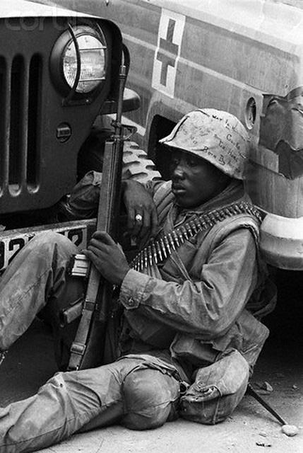 Khoảnh khắc quá độc lính Mỹ rệu rã trong Chiến tranh Việt Nam - Ảnh 4.
