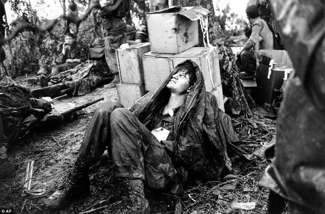 Khoảnh khắc quá độc lính Mỹ rệu rã trong Chiến tranh Việt Nam - Ảnh 6.