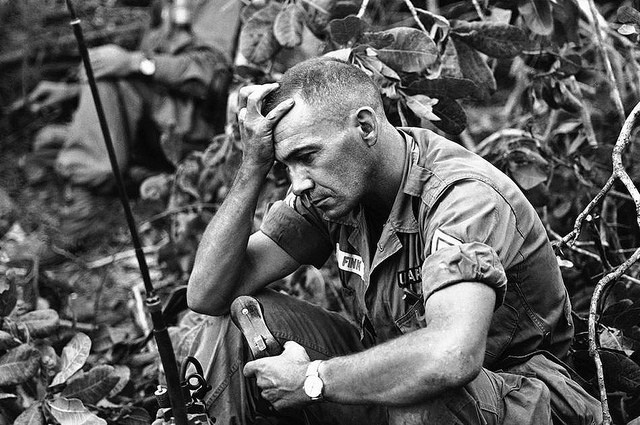 Khoảnh khắc quá độc lính Mỹ rệu rã trong Chiến tranh Việt Nam - Ảnh 10.