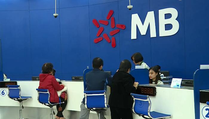 Cử tri kiến nghị giảm thêm lãi suất cho vay ít nhất 2%/năm, Thống đốc Lê Minh Hưng nói gì? - Ảnh 3.