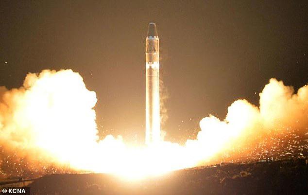 Mỹ bất ngờ tiết lộ kho vũ khí hạt nhân khủng của Triều Tiên - Ảnh 1.