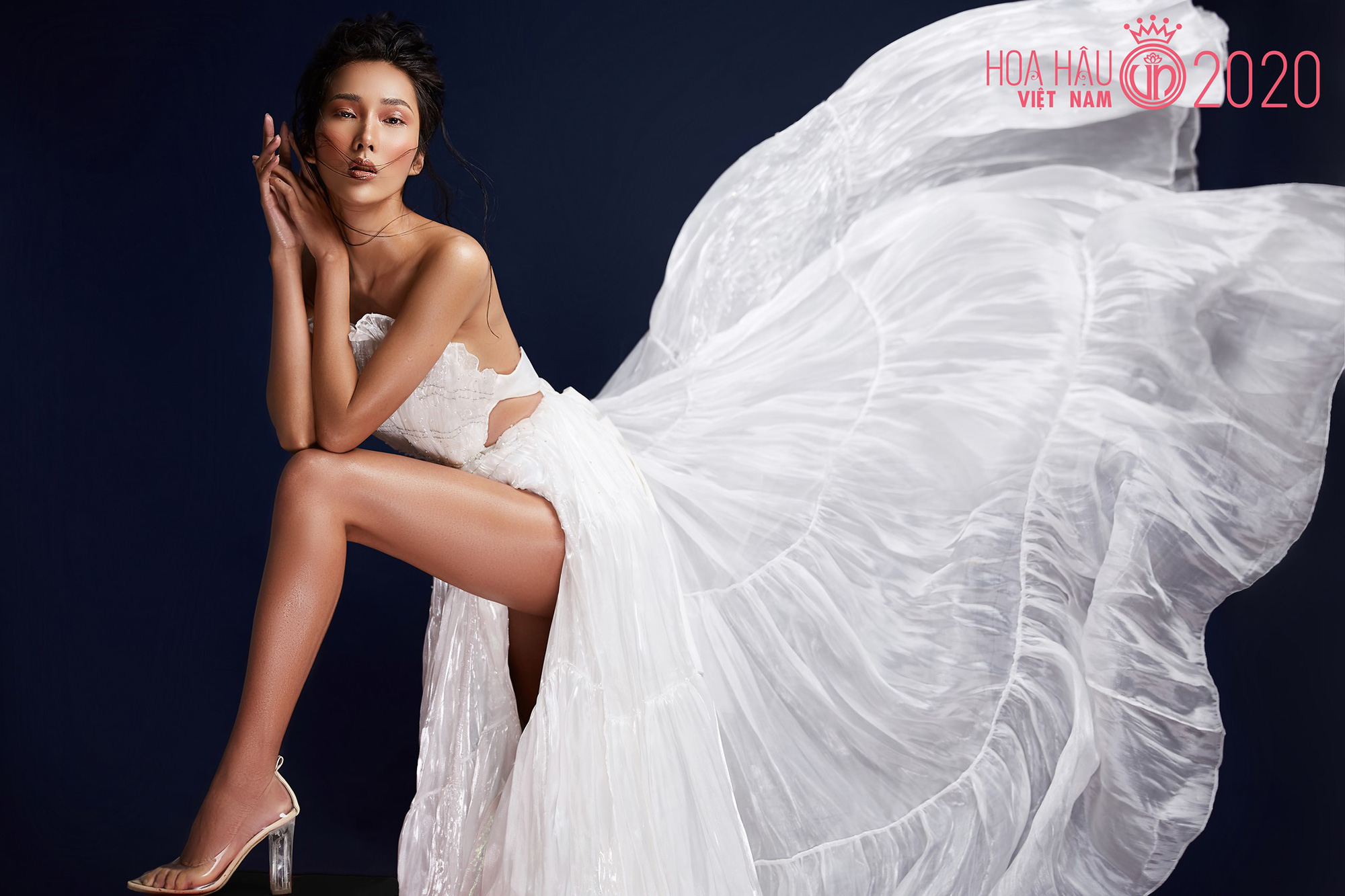 Bản sao Hoàng Thùy tại Hoa hậu Việt Nam: Thu hút lạ, thần thái chất hơn nước cất nhưng từng gây tranh cãi vì phát ngôn - Ảnh 6.