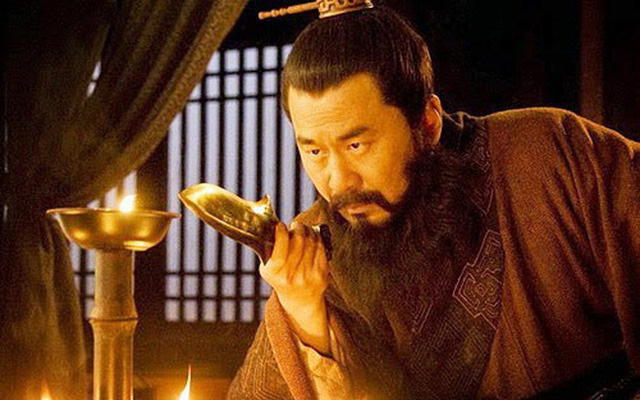 Tam Quốc: Người Gia Cát Lượng không bằng, Tào Tháo Tôn Sách muốn giết, nhưng cuối cùng vẫn sống tới hơn trăm tuổi - Ảnh 2.