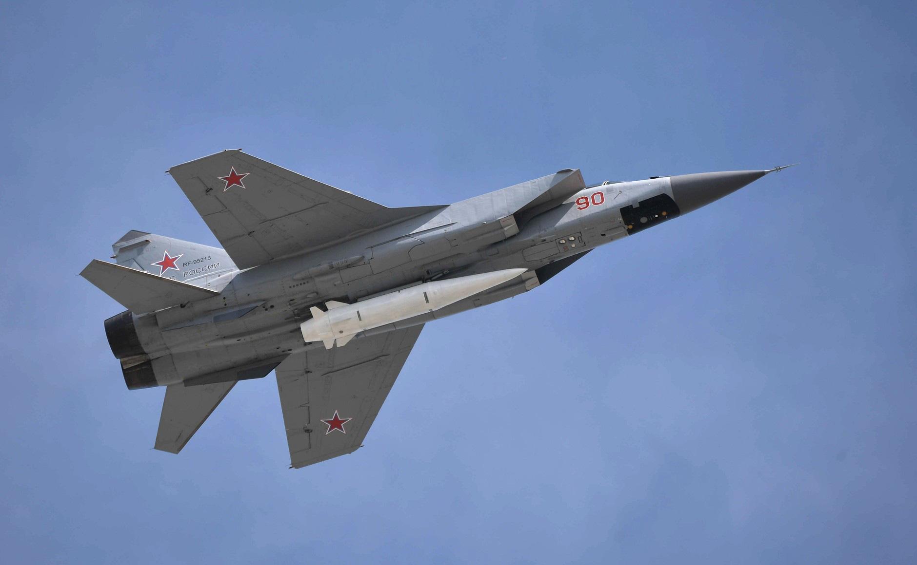 Vũ khí bí mật: NATO bó tay trước siêu vũ khí của Nga - Ảnh 1.