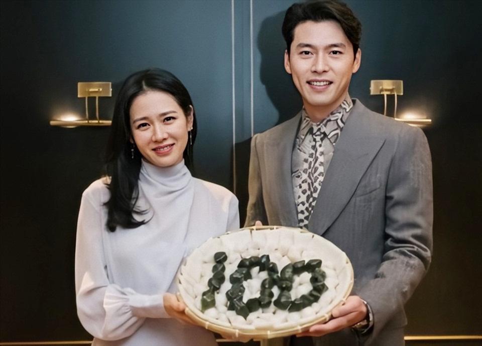 """Loạt ảnh Hyun Bin - Son Ye Jin đắm đuối, ngọt ngào từ hậu trường đến màn ảnh bất ngờ bị """"đào lại"""" - Ảnh 11."""