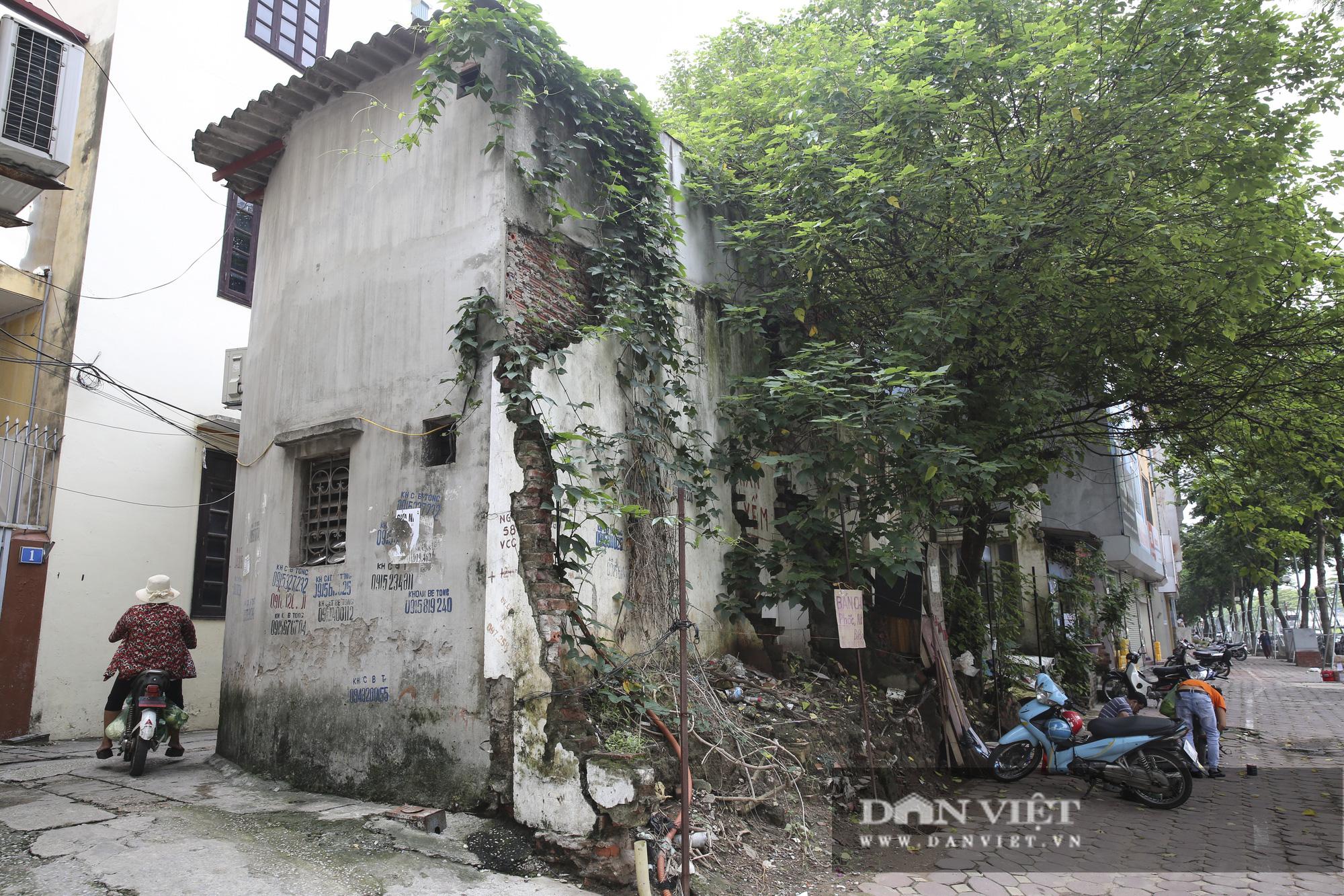 """Cận cảnh những ngôi nhà mặt phố hình thù """"kỳ dị"""" tại Hà Nội - Ảnh 5."""