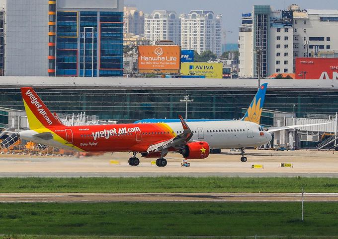 Chuyên gia nói gì về đề xuất mở lại đường bay quốc tế - Ảnh 1.