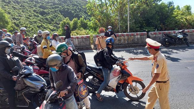Đà Nẵng kiến nghị Thủ tướng chỉ đạo để người dân đến các địa phương thuận lợi - Ảnh 1.