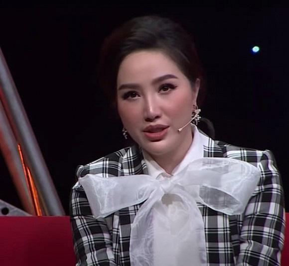 """Dàn mỹ nhân Việt bị """"dìm"""" nhan sắc trên sóng truyền hình: Elly Trần, Mai Phương Thúy... - Ảnh 4."""