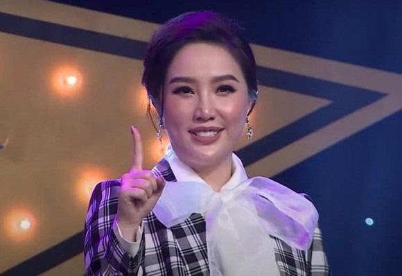 """Dàn mỹ nhân Việt bị """"dìm"""" nhan sắc trên sóng truyền hình: Elly Trần, Mai Phương Thúy... - Ảnh 5."""