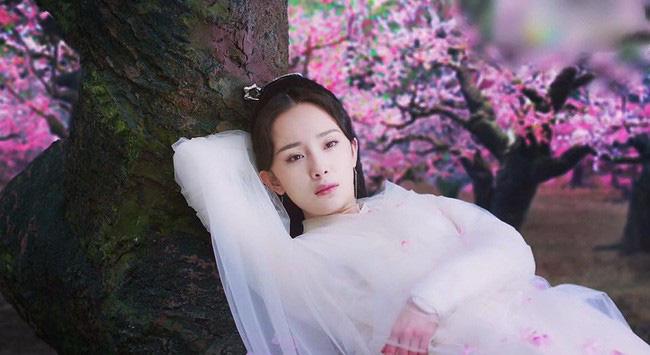 """""""Nữ hoàng cổ trang Trung Quốc"""" kiêu dũng trên lưng ngựa, lộ tạo hình trong dự án phim mới - Ảnh 4."""