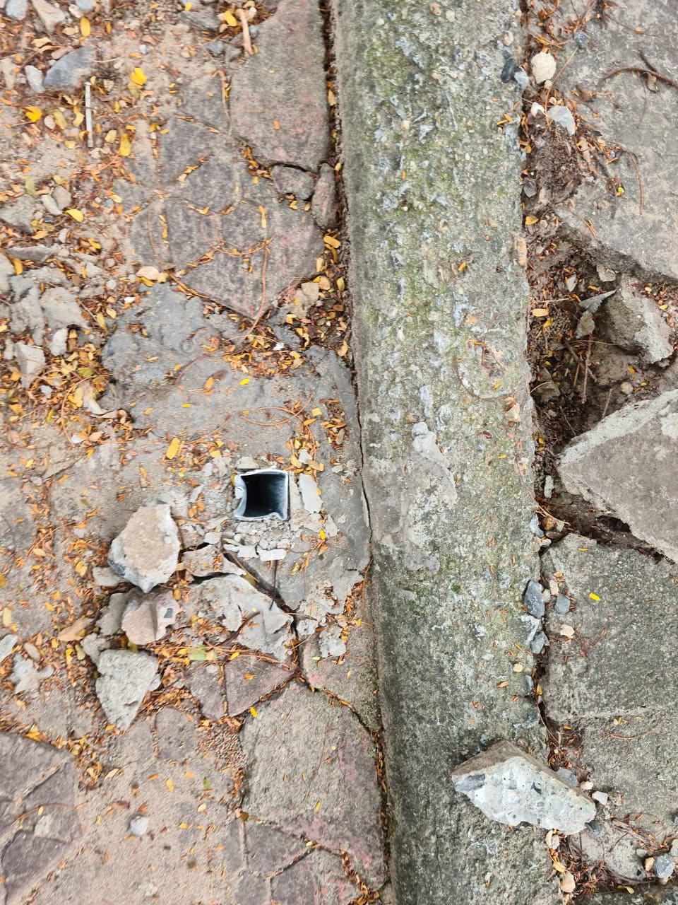 Hải Phòng: Yêu cầu xác minh, làm rõ việc cọc sắt chôn dày đặc trên phố gây nguy hiểm cho người dân - Ảnh 5.