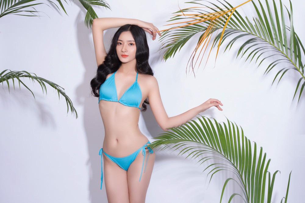 """Mỹ nhân Hà Tĩnh cao 1,72 m mặc bikini quyến rũ """"bỏng mắt"""" thi Hoa hậu Việt Nam 2020 - Ảnh 1."""