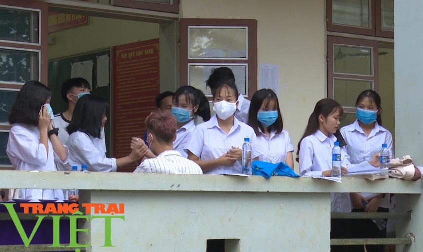 Hoà Bình: Đẩy mạnh công tác Bảo hiểm y tế học sinh, sinh viên - Ảnh 2.