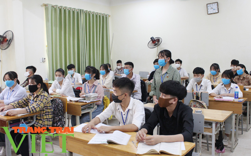 Hoà Bình: Đẩy mạnh công tác Bảo hiểm y tế học sinh, sinh viên - Ảnh 1.