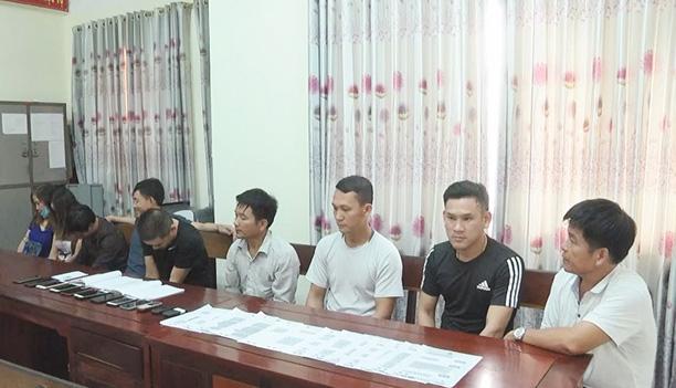 Hà Tĩnh: Giám đốc khách sạn Công đoàn Thiên Cầm bị khởi tố vì tội  đánh bạc  - Ảnh 1.