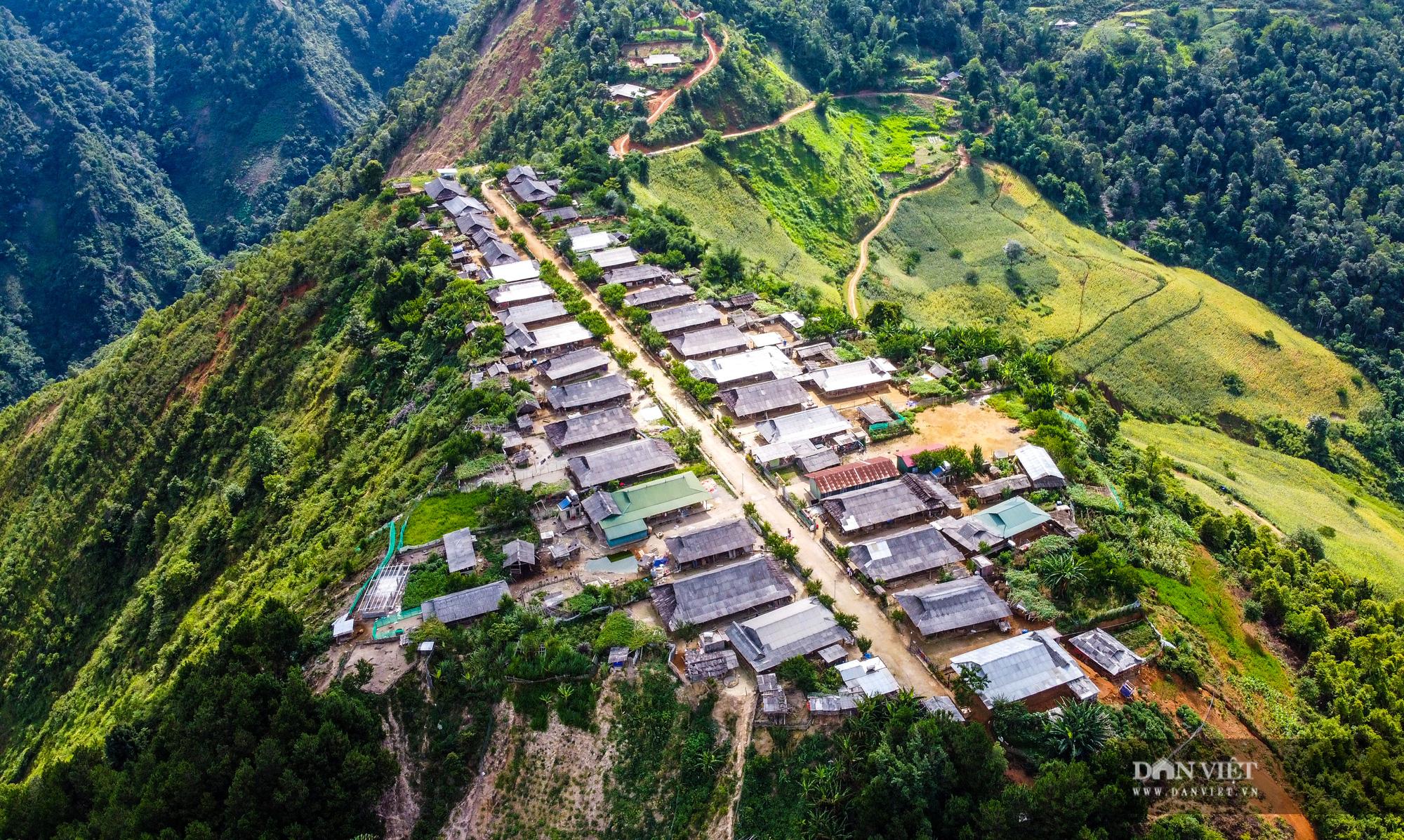 Cu Vai: Bản làng bằng phẳng đẹp nhất của người H'Mông - Ảnh 1.