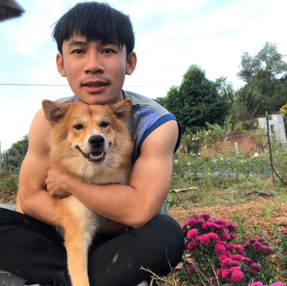 Chàng trai 23 tuổi - thanh xuân rực rỡ mỗi ngày chăm 2.000 gốc hồng, nuôi cá và trồng rau, cây ăn quả - Ảnh 13.
